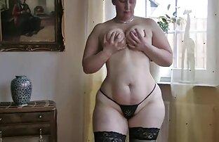 Nerd tato menyentuh video sex hot tante tikus di Cam