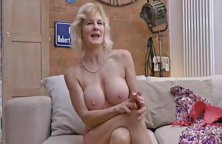 Sebuah xxx selingkuh hot pasangan yang indah menjadi satu dengan alam-bebas porno
