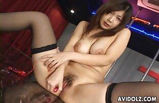 Remaja suka bermain di vaginanya tante hot porn yang panas