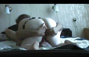 Babe cantik memasukkan vidio bokep xxx hot dildo besar ke dalam dirinya