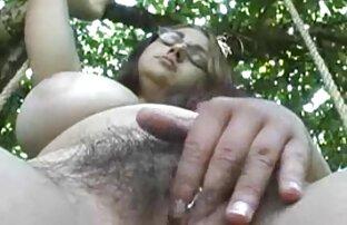 Suspensi pergelangan tangan tertusuk pada ayam bokep hot xxx com & dildo-setiap orgasme brutal melemahkan dan shales lebih.