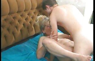Hailey mengalahkan bokep sexy xxx gadis remaja dengan dildo besar.
